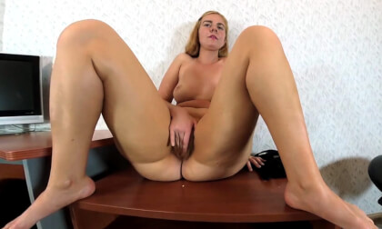 AgnetaAlis Shows Her Big Butt; Amateur Redhead Solo Masturbation Fingering