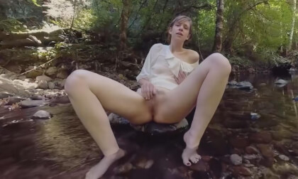 Carmen December's Clit Cum - Amateur Fingering Outdoors