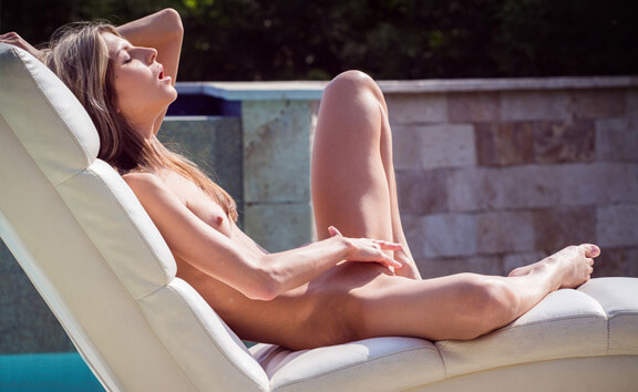 Gina Gerson Plays by the Pool - Skinny Solo Model Toying