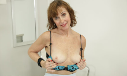 Lady Valentina Solo in the Office
