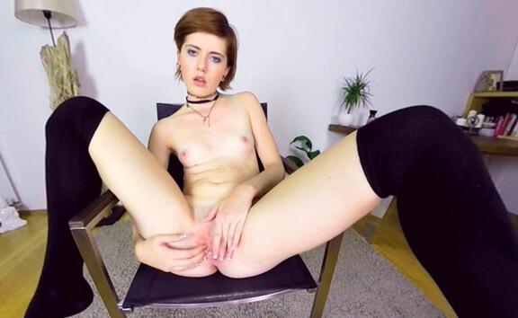 Anna Swix Casting - Petite Redhead Fingering