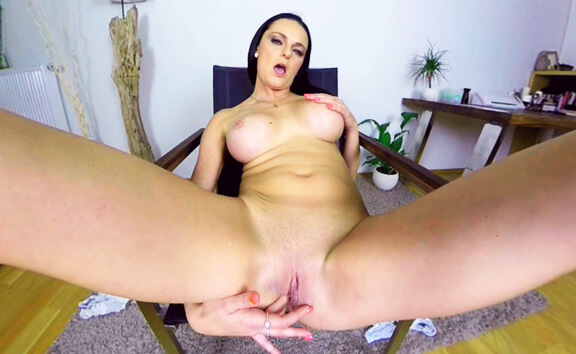 Anny Maax Casting - Busty Shaved Solo Model