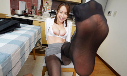 Yuu Shinoda – My First Time with my Sister-in-Law in Sexy Black Pantyhose Part 1; JAV Idol Foot and Leg Fetish