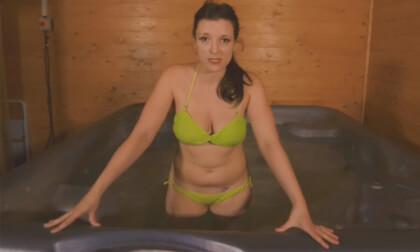 Cum And Get Wet - Busty British Amateur Solo Masturbation
