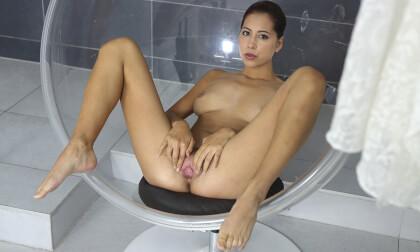 Amazing Paula - Brunette Shower and Fingering