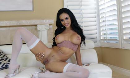 Gia Vendetti Needs Fresh Cock - Fake Big Tits Pornstar Ultra Hardcore Virtual Reality Sex