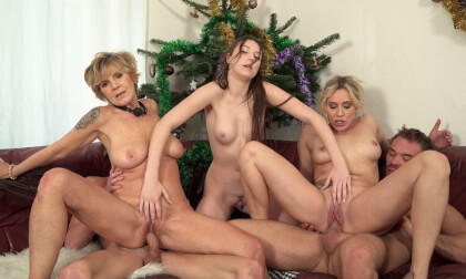 Christmas Perverse Stepfamily - MMFFF Group Sex 3D Porn Hardcore High Quality Extra Long VR Video