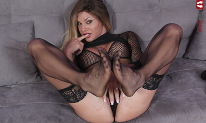 Breathtakingly Gorgeous Noemi Blonde Plays With A Realistic Dildo - Foot Fetish Virtual Reality Pornstar in a Body Stocking