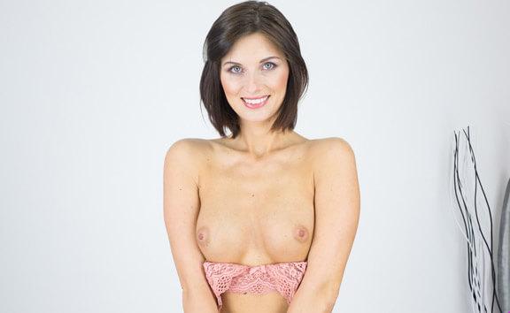 Jenifer Jane Casting - Petite Solo Model Toying