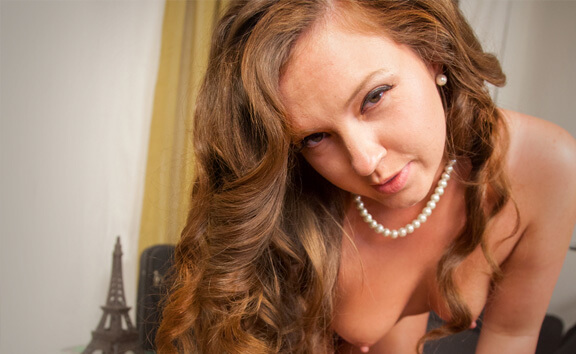 The Lay Over - Part 1 - Curvy Babe Striptease