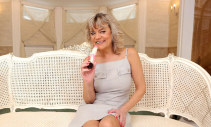 Back To The Golden Age - Mature Granny Toying