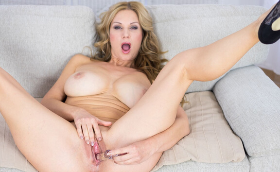 Carol Goldnerova Casting - Busty Blonde Double Penetration