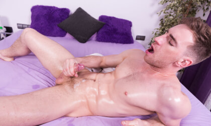 OMG Yes! - Gay Solo Guy Stroking
