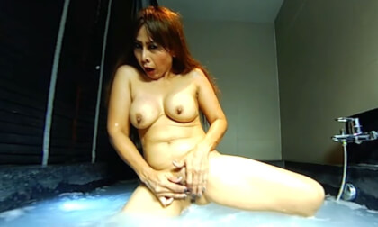 Wet And Sexy In A Bathtub - Mature Asian Fingers