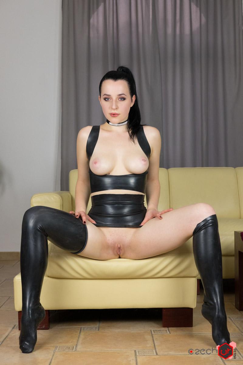 Quinn In Latex - Czechvrfetish - Download Full Vr Porn -9994
