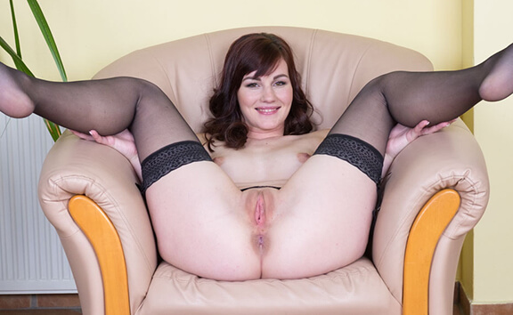 Beauty And The Speculum - Insertion Medical Fetish