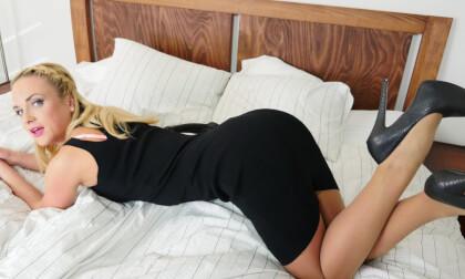The Nylon Nymph Starring Vinna Reed
