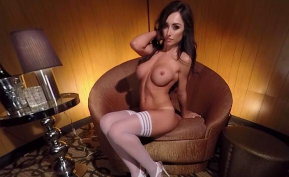 Reya Sunshine Nude Lapdance - Solo Babe Teases