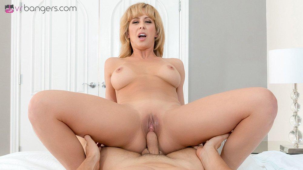 Vrbangers - Cherie Deville - Super Mom-8524