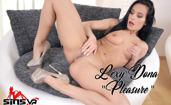 Lexi Dona Pleasure - Brunette Solo Model Fingering