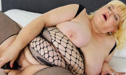 Blonde BBW Masturbation - Fat Girl Lingerie and Toying