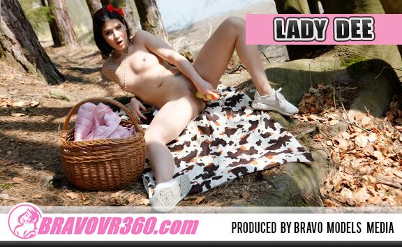 082 - Lady Dee