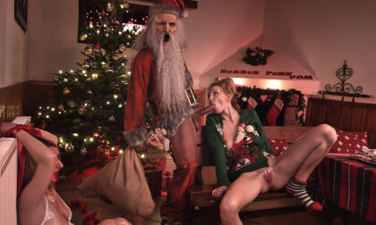 Bad Santa - Kinky FFM Threesome