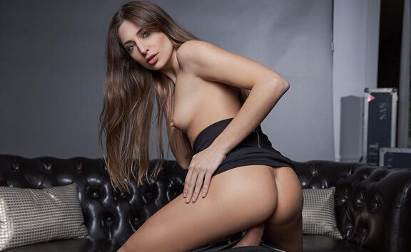 VR Casting - Gorgeous Brunette POV