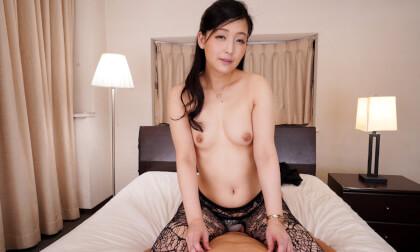 Touko Namiki – Nipple Teasing Super Lewd Woman Part 2 - Japanese Topless Blowjob