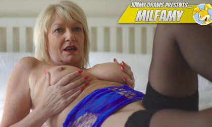 UK Milf Amy Pleasures Herself