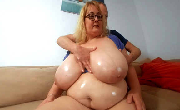 Big Boobs Oiling with Busty Miranda - BBW Huge Tits