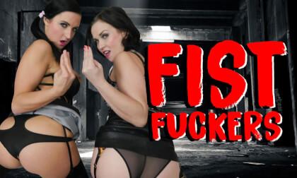 Fist Fuckers - Lesbian Fisting