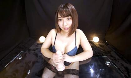 Hinami Yumesaki – Nonstop Staring Daggers Start-Stop Handjob Part 1
