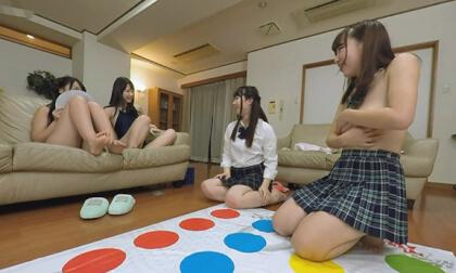 Ren Ichinose, Ayane Haruna, Harura Mori, and Yuzuka Shirai – Living in a Share-house with Really Cute Girls Part 3; JAV Orgy Japanese Teens